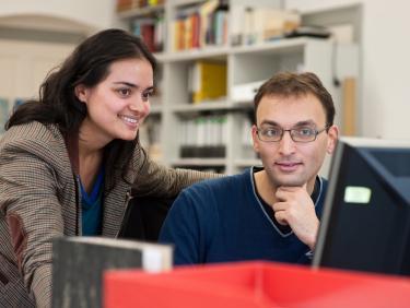 Studierende am Computer